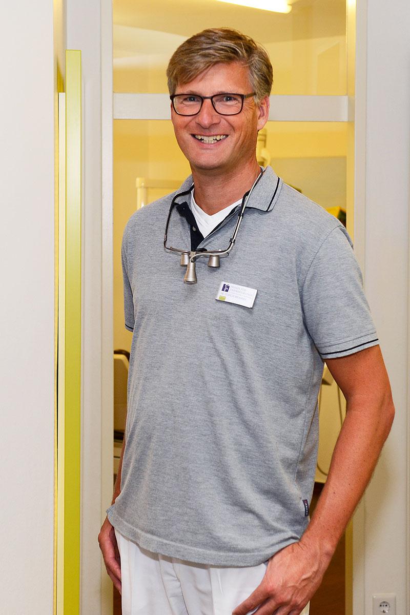Zahnarzt Dr. Ulrich Brahms aus Bad Zwischenahn